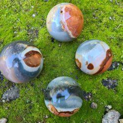 sphère jaspe polychrome